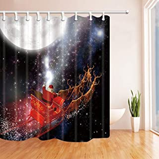 GooEoo バスルーム、サンタクロースのクリスマスシャワーカーテン月光のトナカイを運転するシャイニング、ポリエステル生地防水バスカーテン、シャワーカーテンフック付き、71X71in