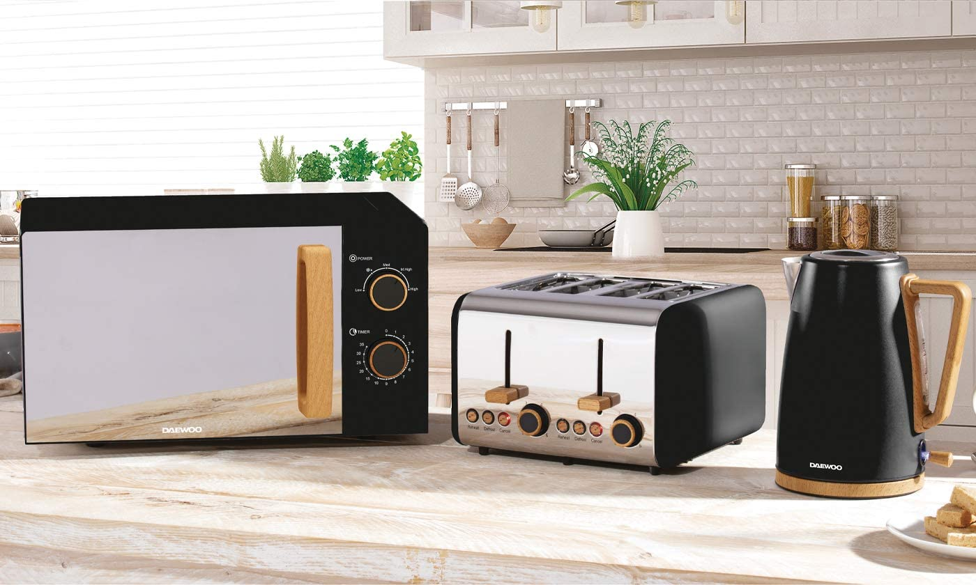 Reheat /& Cancel Functions Elegant Matte Design with Wood Accents Daewoo Scandia 4 Slice Toaster with 6 Browning Settings and Defrost LED Light Indicators and Removable Crumb Tray- Black