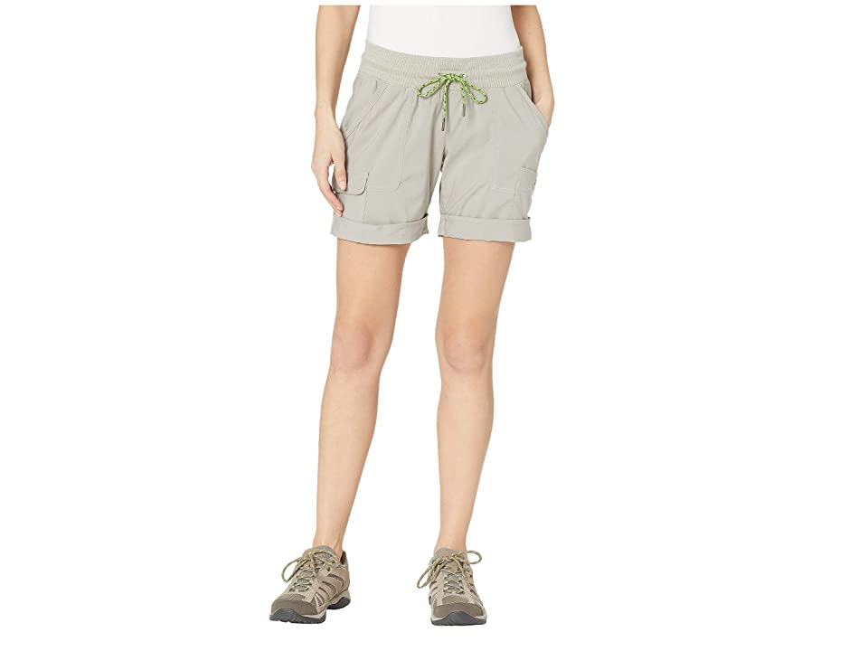 Columbia Pilsner Peaktm Pull-On Cargo Shorts (Flint Grey) Women