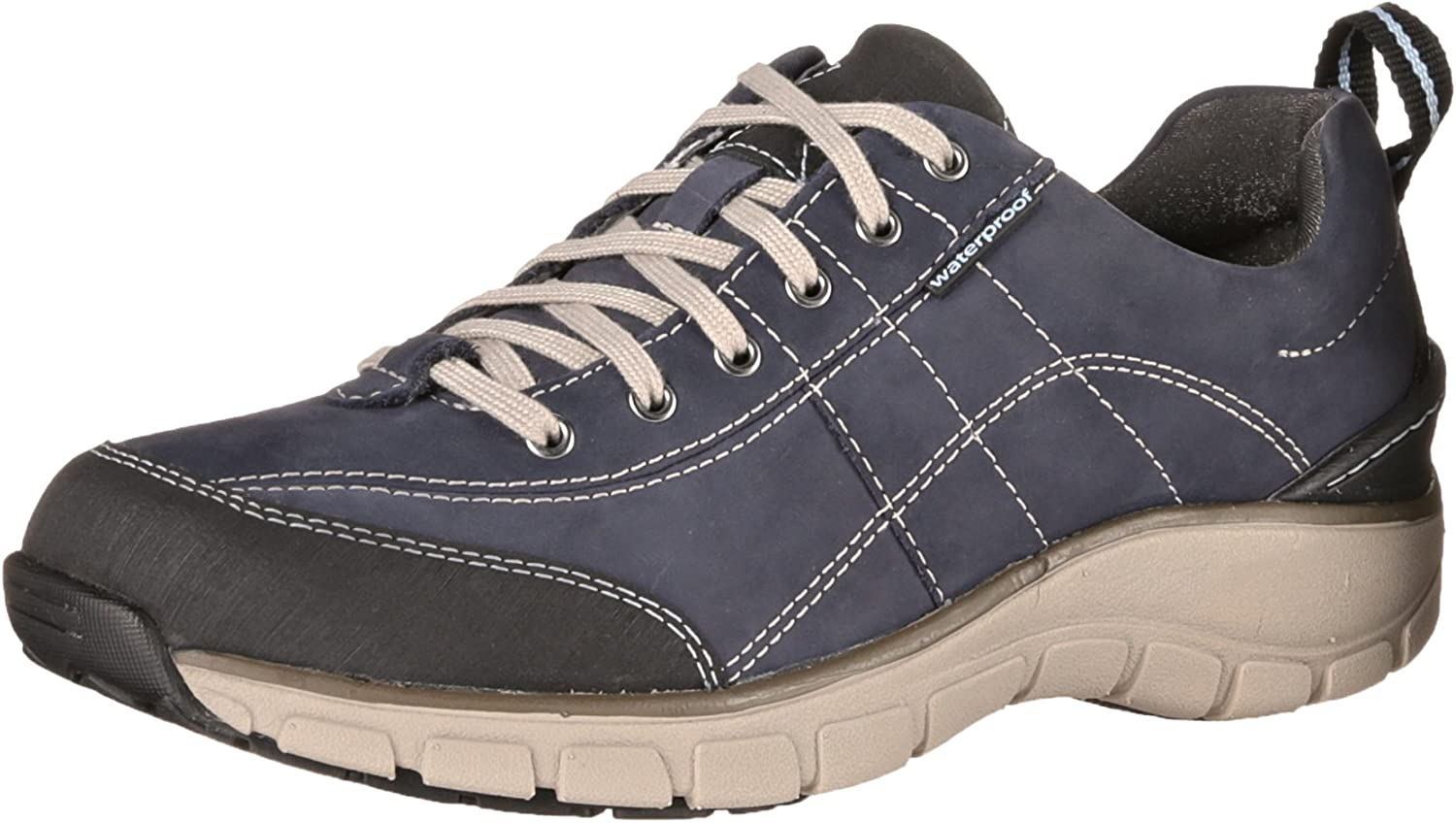 Clarks Women's Wave Trek Lace-Up Fashion Sneaker