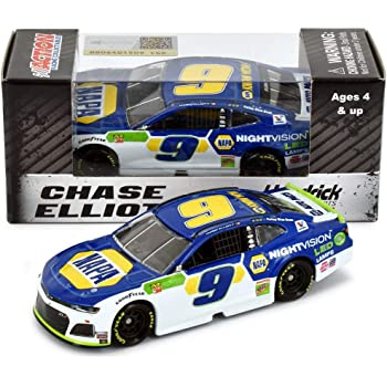 Lionel Racing Chase Elliott 2019 NAPA NightVision NASCAR Diecast Car 1:64 Scale
