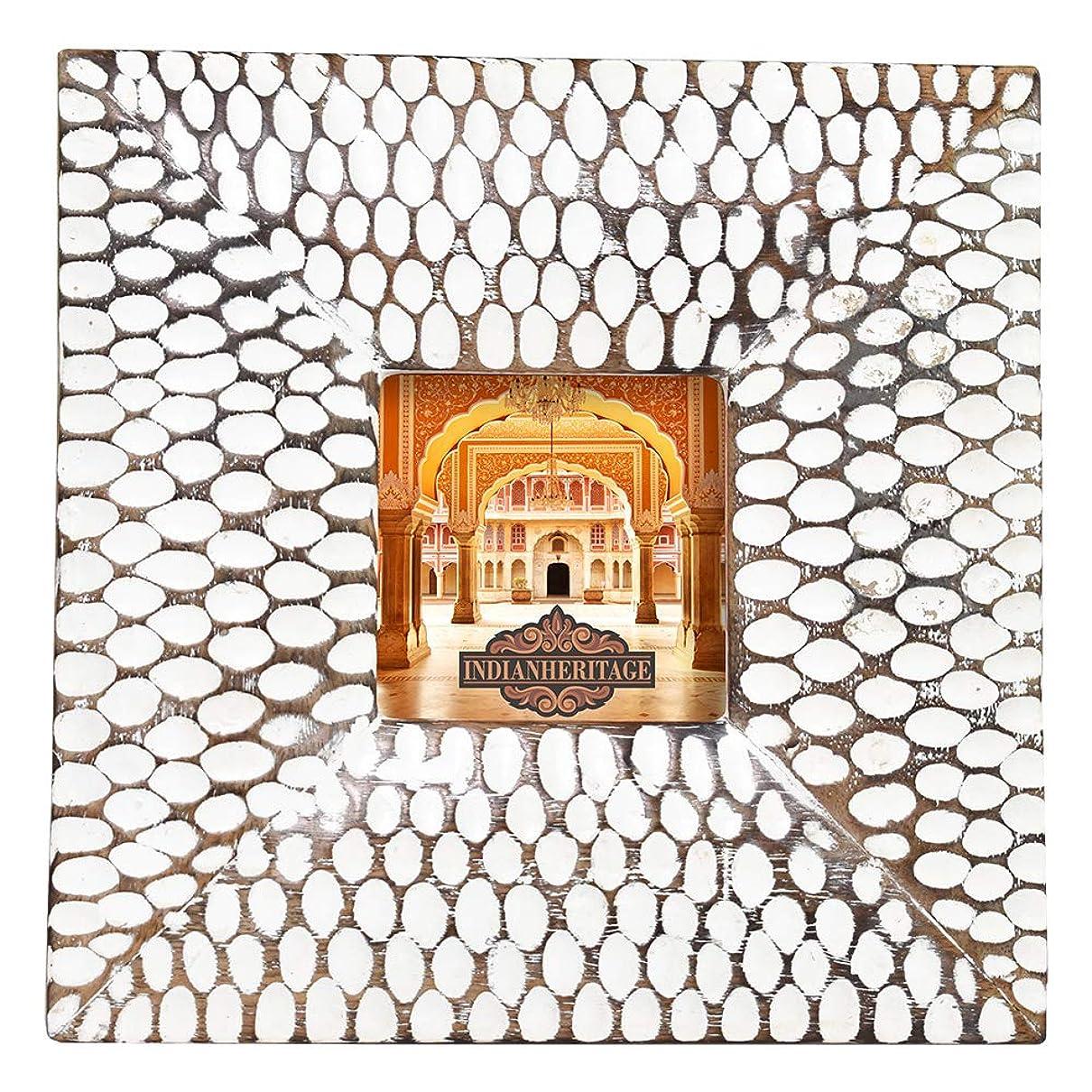世論調査推定ブームインディアンヘリテージ木製フォトフレーム 4x6 マンゴー木製彫刻デザイン ホワイトアンティーク仕上げ