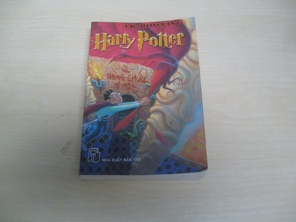 Harry Potter and the Chamber of Secrets (Vietnamese Edition)
