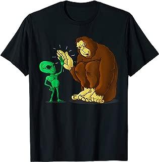 Bigfoot Alien High Five Shirt | UFO Sasquatch Funny Gift