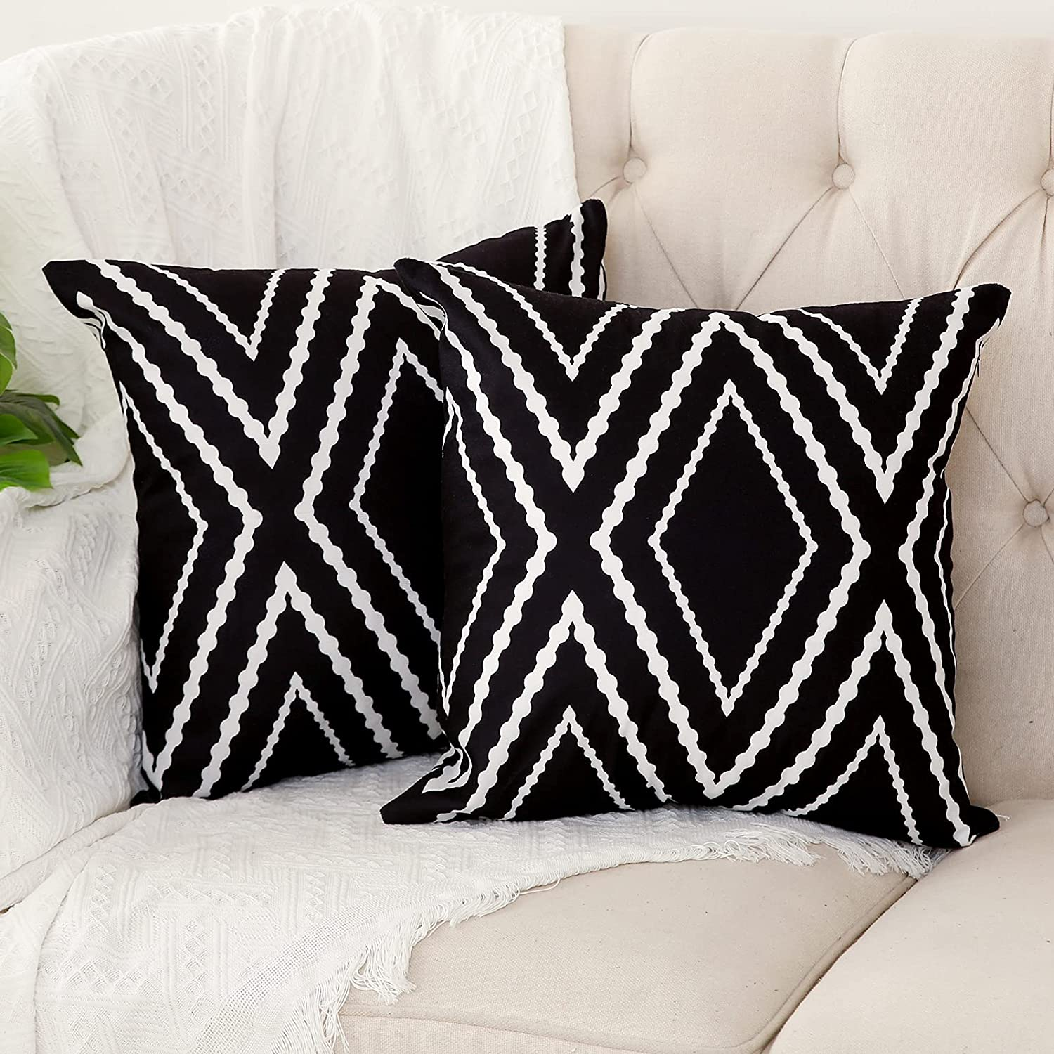 Kiuree Set of 2 Black and White 18 inches Pillow Covers cheap Super beauty product restock quality top Boh x