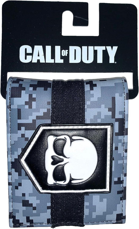 21. Call of Duty Skull Wallet - MW3 Camo