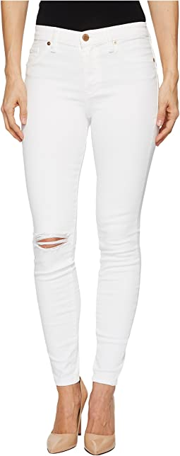 Blank NYC - Mid-Rise Distressed Skinny in Great White