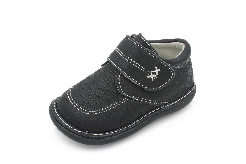 [Little Mae's Boutique] ブラックとホワイトステッチレザーBoyスニーカーSqueaky靴