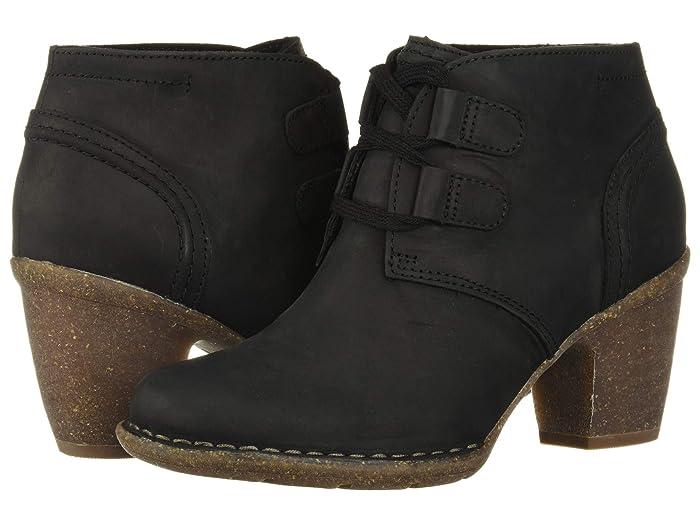 Clarks  Carleta Lyon (Black Oily Leather) Womens  Boots
