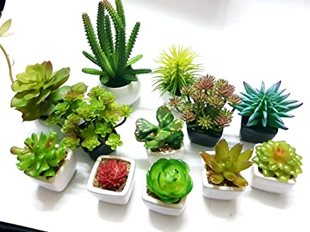 Universal Fountain 12-in-1 Forest Look Artificial Indoor Plant with Ceramic Pots (Green)