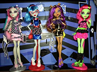Monster High Ghouls Night Out 4 Pack - Rochelle Goyle, Clawdeen Wolf, Ghoulia Yelps, Venus McFlytrap