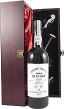 Burmester Vintage Port 1970 in einer mit Seide ausgestatetten Geschenkbox. Da zu vier Wein Zubehör, Korkenzieher, Giesser, Kapselabschneider,Weinthermometer, 1 x 750ml