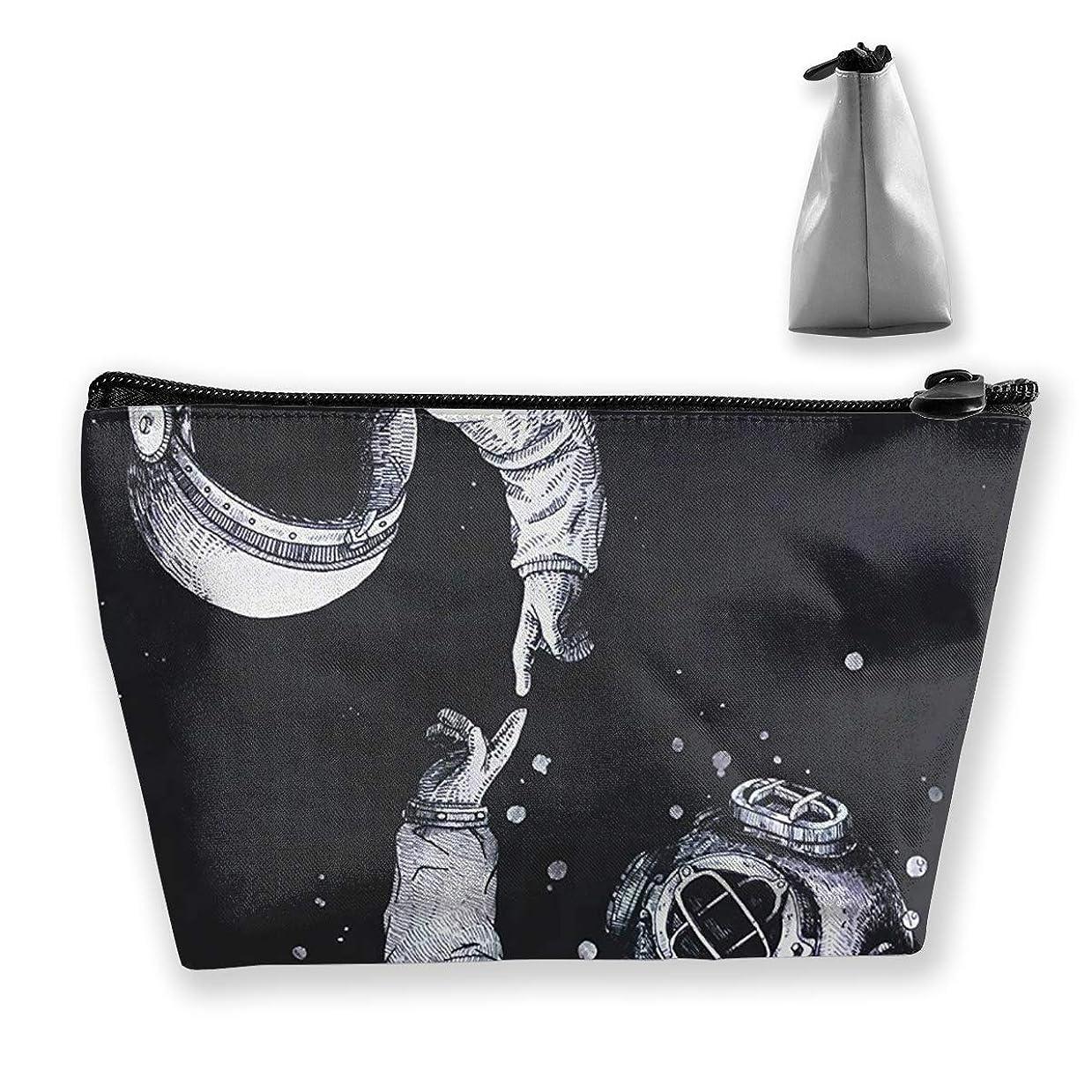 下に憂鬱限定台形 レディース 化粧ポーチ トラベルポーチ 旅行 ハンドバッグ 宇宙飛行士 コスメ メイクポーチ コイン 鍵 小物入れ 化粧品 収納ケース