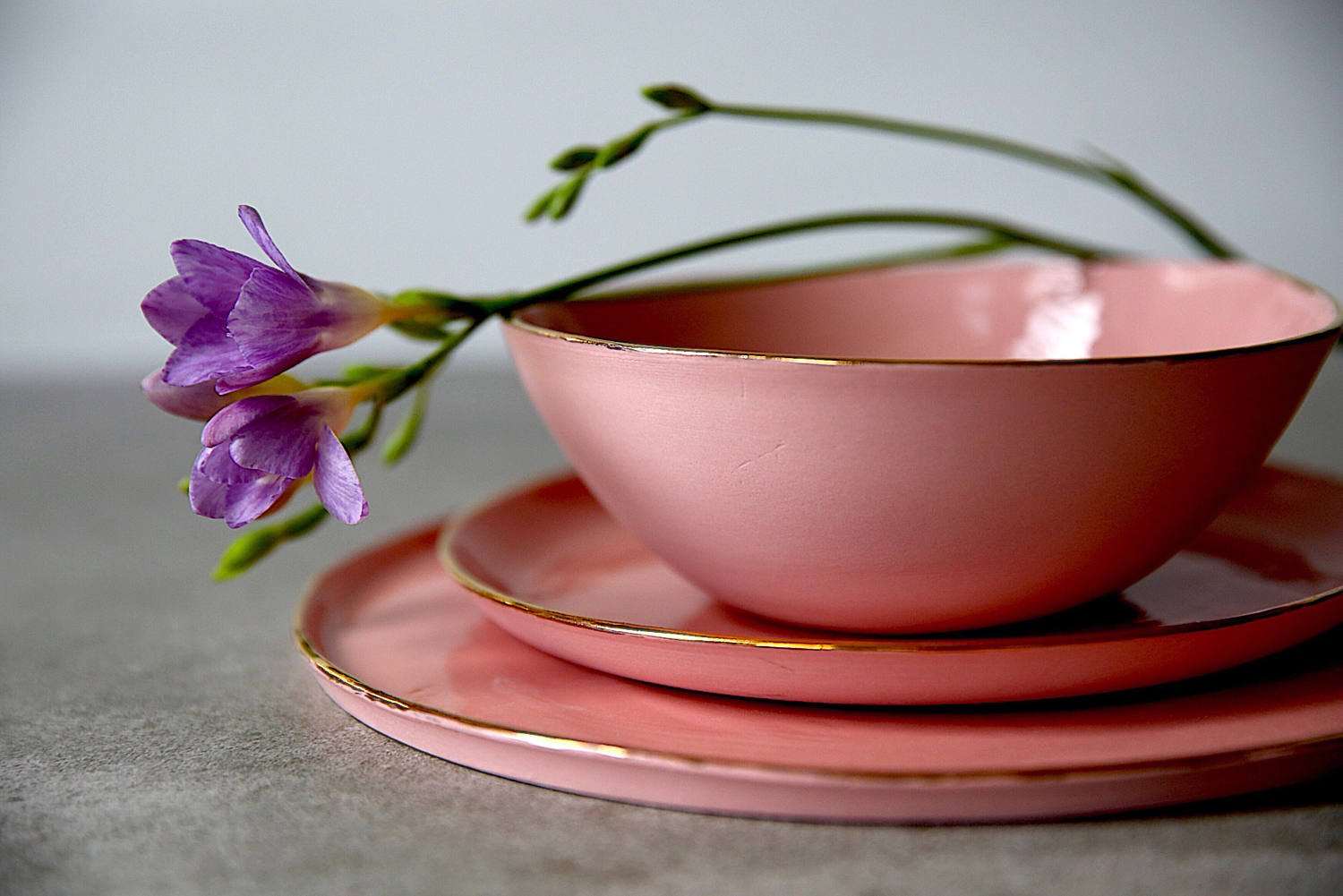 Handmade Pink Porcelain Max 51% OFF 55% OFF and Genuine Gold of 3 S Dinnerware - Set
