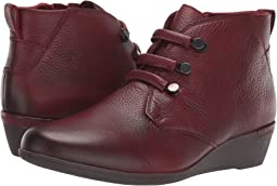 Devyn Chukka Boot