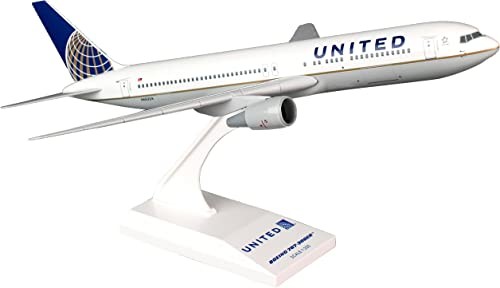 Daron Skymarks United 767-300 New Livery Model Kit (1 200 Scale)