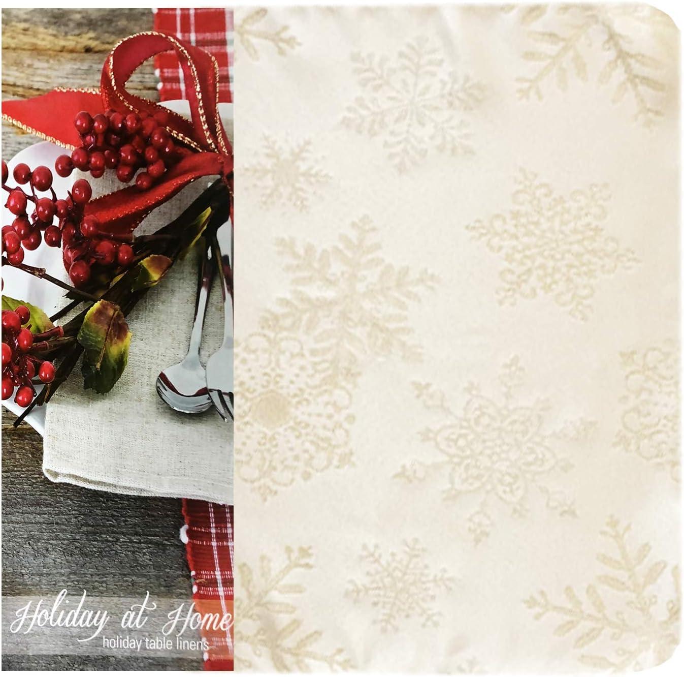 Sparkling Snowflakes Lurex Woven No Iron Easy Care Set of 8 Napkins Ivory//Gold Stain Release Napkins Newbridge Fancy Metallic Snowflake Christmas No-Iron Soil Resistant Fabric Holiday Napkins