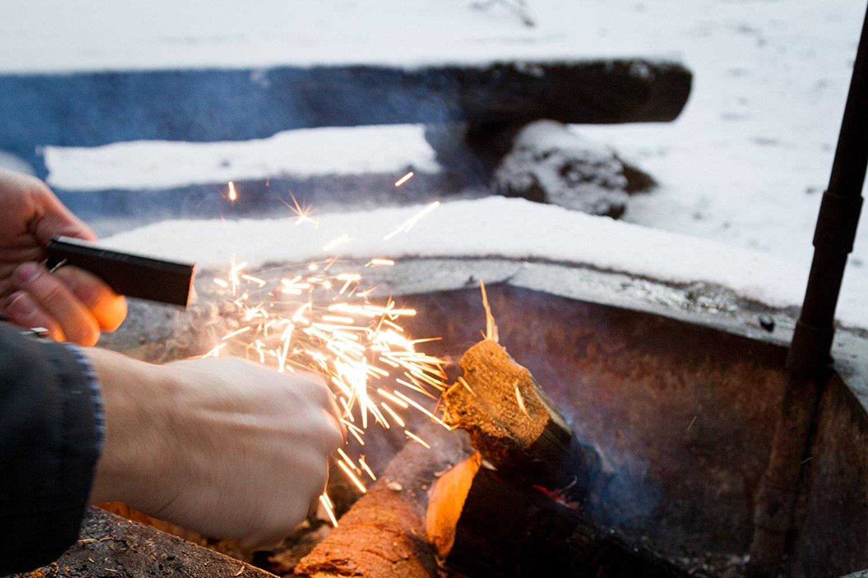 The Friendly Swede Iniciador de Fuego de Emergencia en Aleación de Magnesio Ideal para Acampada y Senderismo (Pack de 3 Encendedores con Raspador, Pedernal y Abrebotellas) - GARANTÍA DE POR VIDA: Amazon.es: