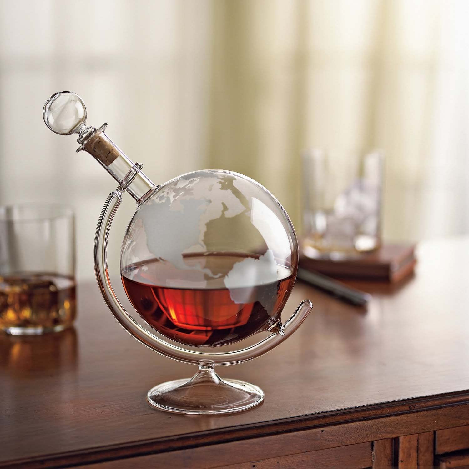 Wine Enthusiast Etched Globe Spirits Decanter