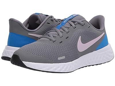 Nike Kids Revolution 5 (Big Kid) (Smoke Grey/Iced Lilac/White/Soar) Boys Shoes