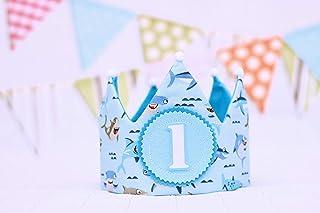 Corona di compleanno blu con disegni di squali baby shark