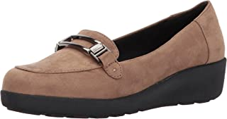 74131529bd6 Amazon.com  Easy Spirit - Loafers   Slip-Ons   Shoes  Clothing ...