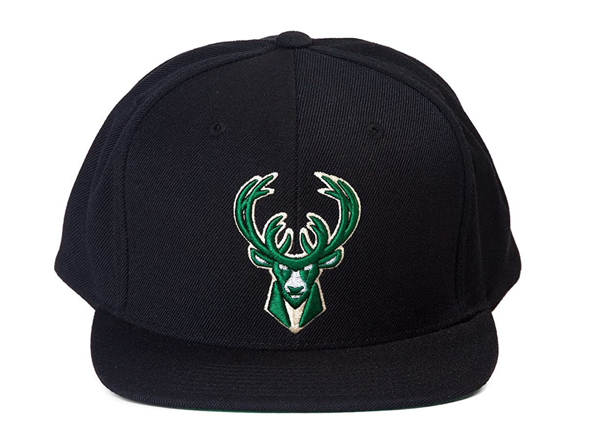 Mitchell & Ness Milwaukee Bucks NBA Team Logo Solid Wool Adjustable Snapback Hat
