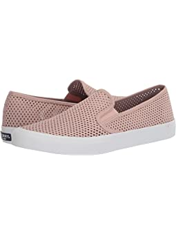 Sperry seaside perforated + FREE