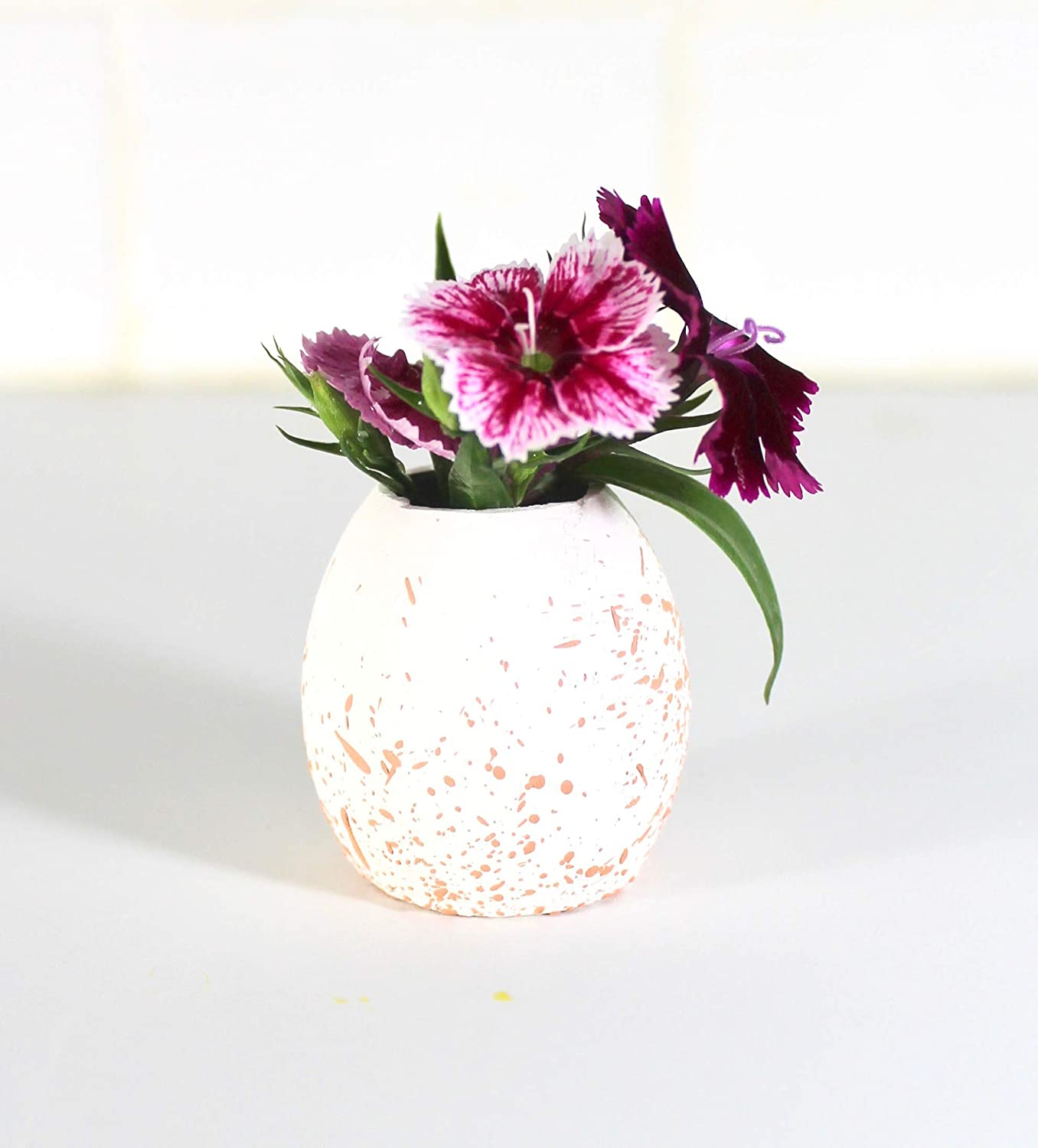 Speckled Limited A surprise price is realized Special Price Egg Small Vase