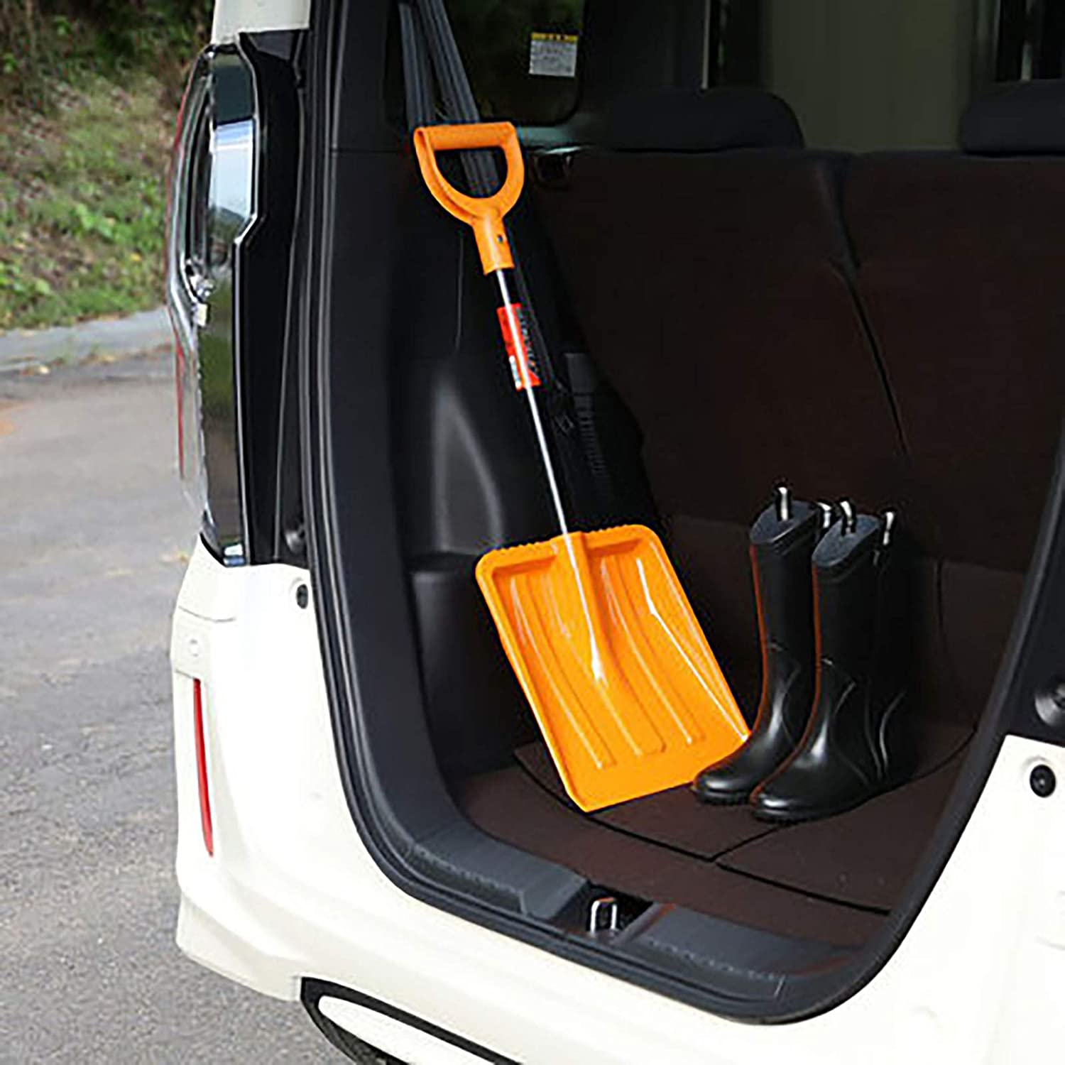 Garden Work Agriculture And Horticulture Cleaning. Professional Tool For Snow Removal Color:Green N // A Ergonomic Snow Shovel//ice Scraper//Snow Pusher