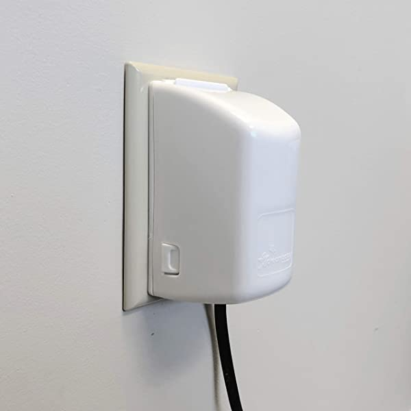 Dreambaby Dual Fit Plug And Electrical 2 Piece Outlet Cover