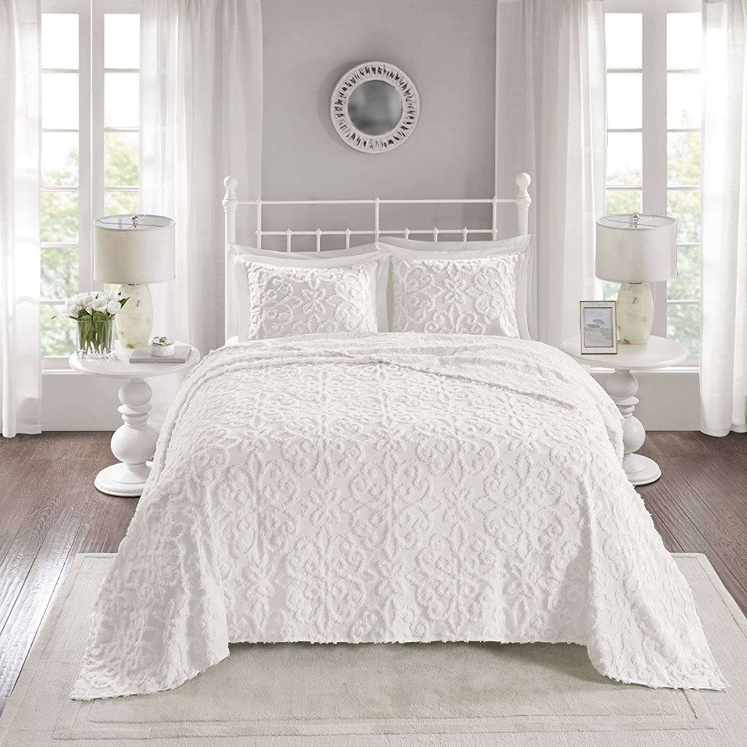 Madison Park Sabrina 3 Piece Tufted Cotton Chenille Quilt Set Coverlet Bedding, Full Queen Size, White