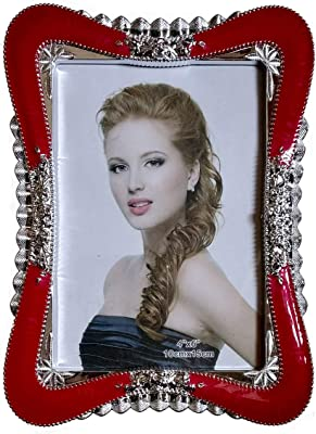 Classy Plastic Photo Frame for All Occasions