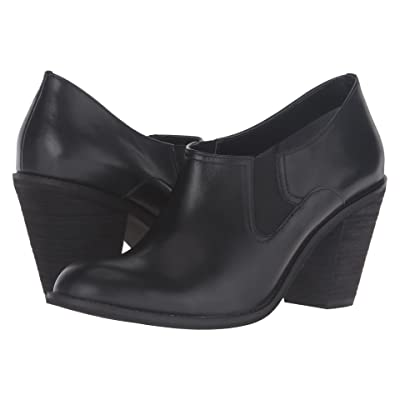 SoftWalk Fargo (Black Smooth Leather) High Heels