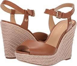 Carlyn Wedge