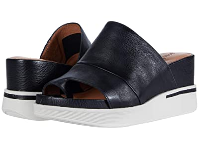 Gentle Souls by Kenneth Cole Gisele 65 Sporty Slide (Black Leather) Women