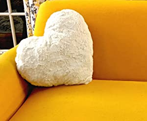 """DaDa Bedding Hand-Made Heart Shaped Throw Pillow - Valentine Luxury White Roses Cushion with Sewn Insert - Cute Romantic Gift Soft Faux Fur Sherpa Backside - 16"""" x 14"""""""
