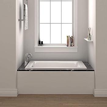 Fine Fixtures White Soaking Corner Tub