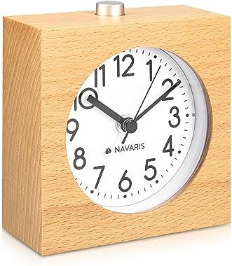 Navaris Réveil analogique en Bois - Horloge à Aiguilles Classique avec Fonctions Heure Alarme Snooze lumière - Design carré -