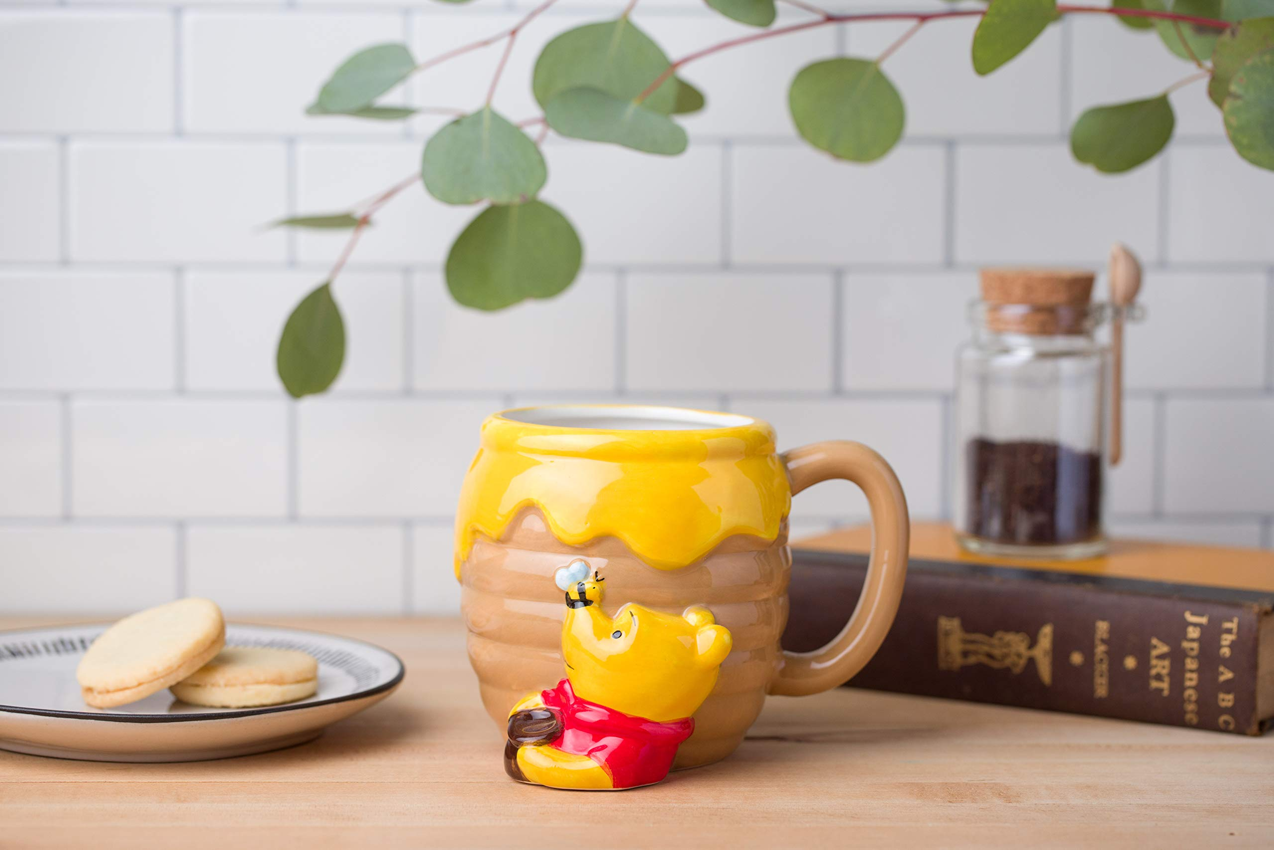 Silver Buffalo Disney Winnie-The-Pooh Honey Pot Ceramic Coffee 3D Sculpted Mug, 1 Count (Pack of 1), Brown
