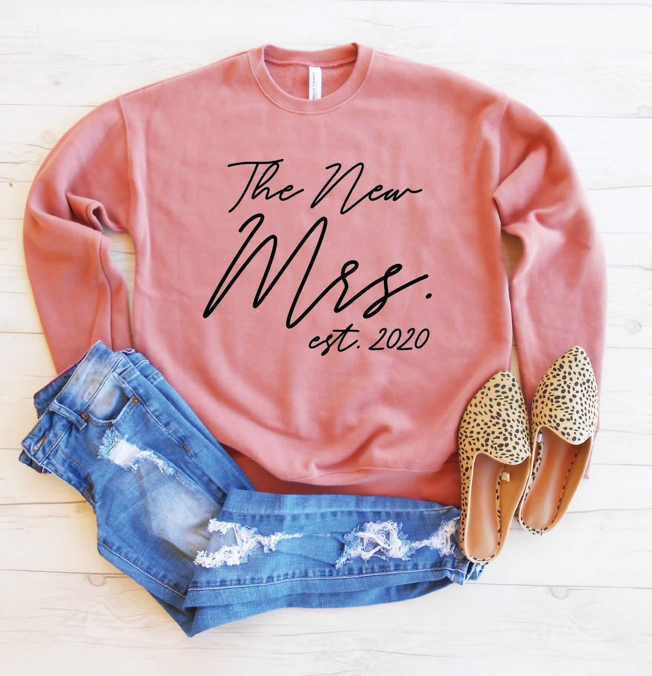 The Fees free!! New Mrs Bargain sale Est 2020 Sweatshirt Shoulder Honeymoon Sweatsh Drop