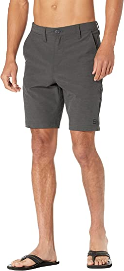 """Crossfire Mid 19"""" Submersible Shorts"""