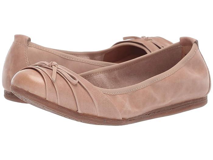 Born  Chelan (Natural Full Grain Leather) Womens Flat Shoes