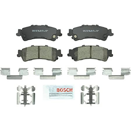 Rear Ceramic Brake Pads Deville DTS Silverado Sierra 1500 Safari Brake Pad Set