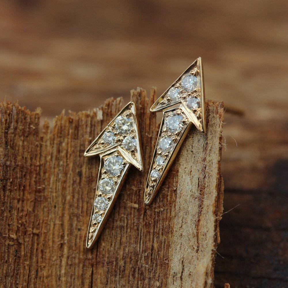 Natural Ranking TOP1 Full Cut Diamond Arrow Design 18k Sol Earrings Max 89% OFF Stud Fine