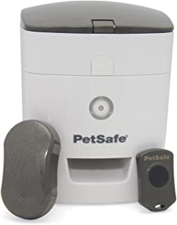 PetSafe Train 'n Praise Dog Potty Training System with Puppy Pads, Use with Dog Treats
