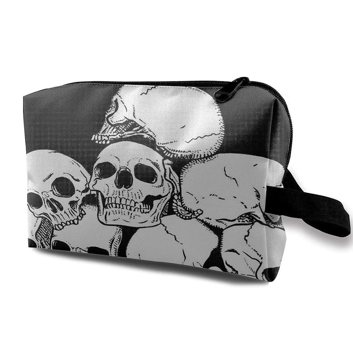 制限広範囲よりWhite Skull With Black Background 収納ポーチ 化粧ポーチ 大容量 軽量 耐久性 ハンドル付持ち運び便利。入れ 自宅?出張?旅行?アウトドア撮影などに対応。メンズ レディース トラベルグッズ