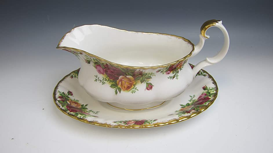 Royal Albert OLD COUNTRY ROSES Gravy Boat w/Under Plate EXCELLENT