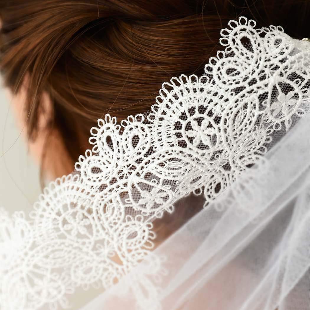 Edary Bridal Wedding Veil with Comb White Lace Applique Edge Veil Drop Veil Brides Hair Accessories for Women Elbow Length