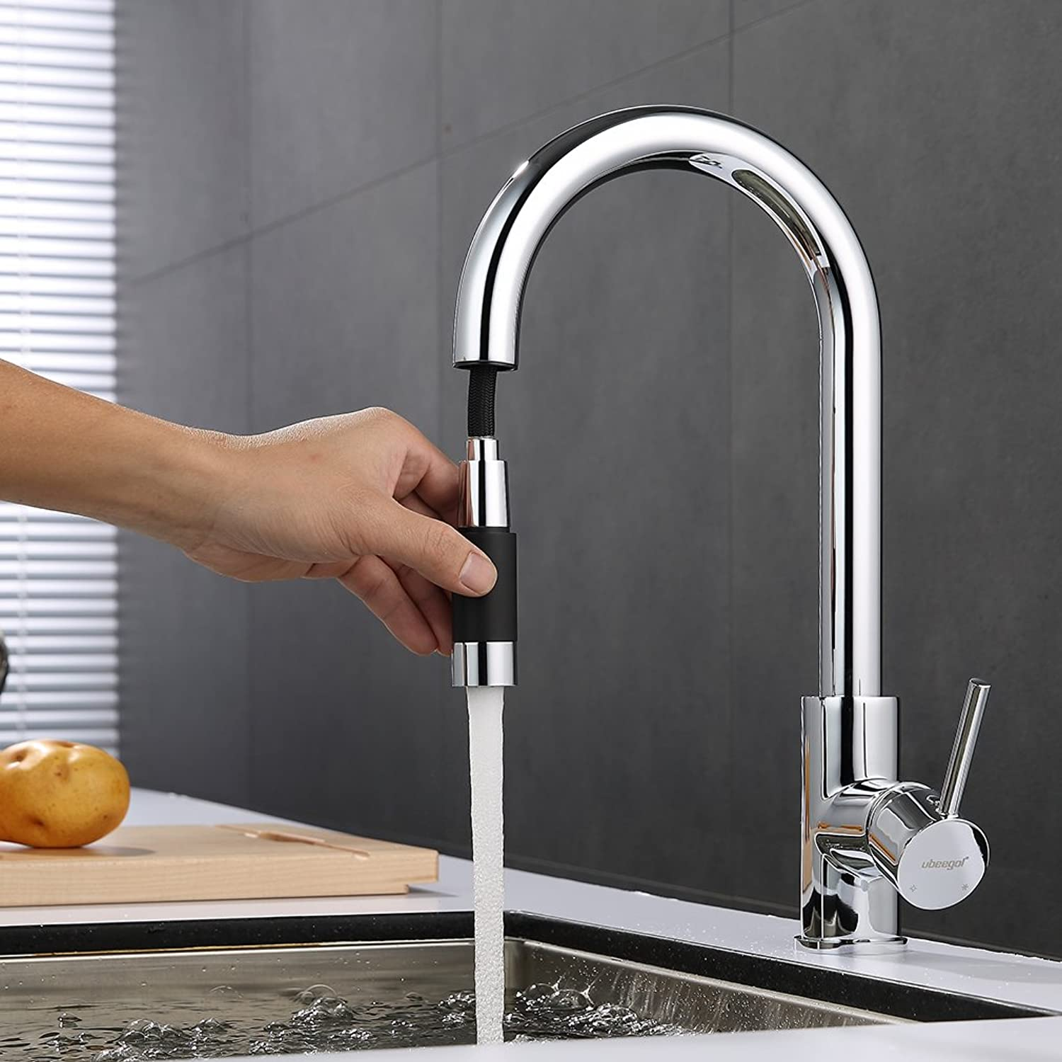 Ubeegol chrome brass water tap, kitchen pull out single lever mixer faucet with sprinkler, chrome kitchen sink tap, 360?° swivel